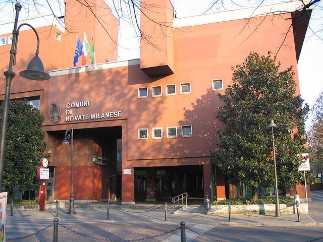 Novate_Milanese_municipio imbianchino
